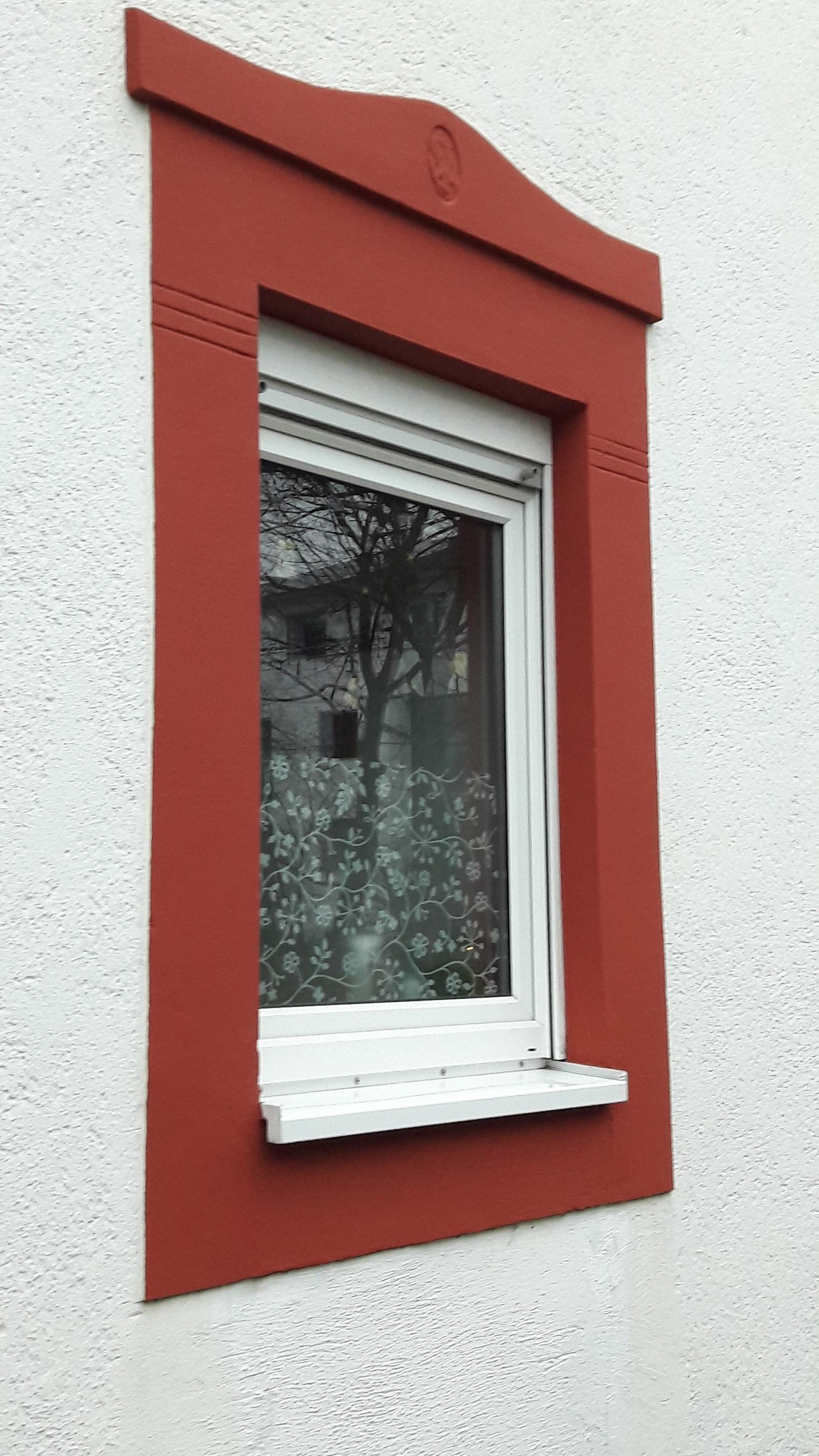29.Fenstergestaltung-rot
