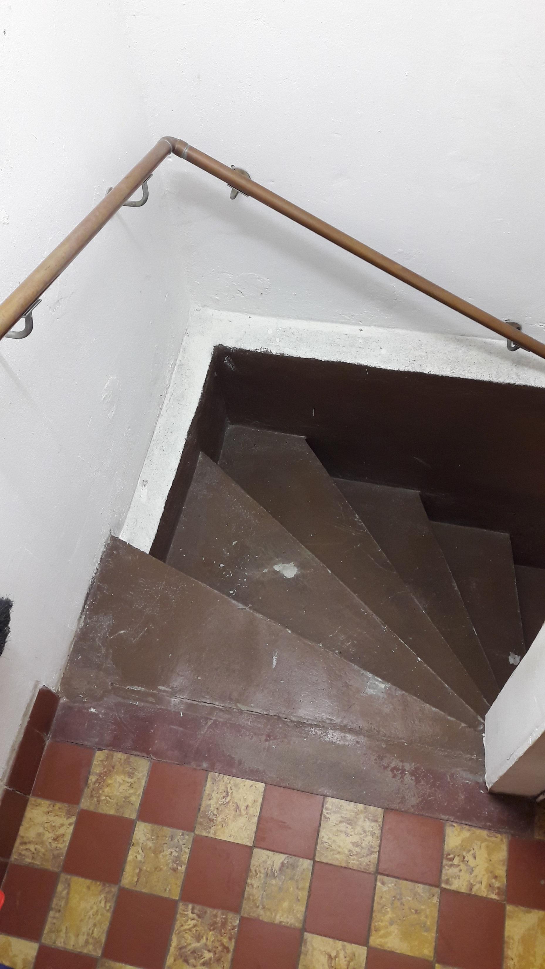 43.Kellertreppe-vorher